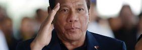 Andere Regeln durch Kriegsrecht: Duterte motiviert Soldaten zu Vergewaltigung