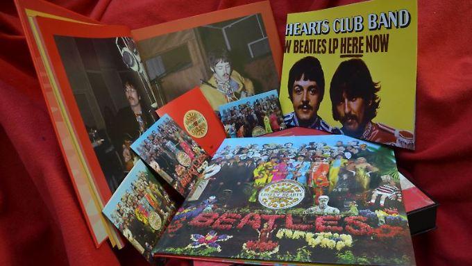 Die Plattenfirma Universal hat eine Jubiläumsbox der Beatles herausgebracht.
