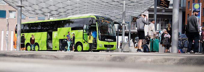 Bei Flixbus kann man das Ticket beim Fahrer nur bar bezahlen, außerdem wird immer der Normalpreis fällig.