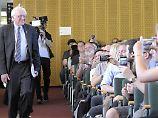 """""""What the hell is going on?"""": In Berlin erklärt Bernie Sanders die USA"""