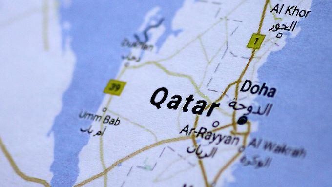 Katar wird von seinen Nachbarstaaten isoliert. Doch es geht nicht nur um den Kampf gegen den Terror.