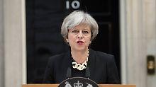 Vor britischer Parlamentswahl: Mays Vorsprung in Umfragen geschmolzen