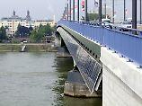Der Mann hatte sein späteres Opfer zunächst auf der Rheinbrücke angesprochen.