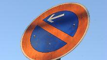 Unklare Regel zum Parkverbot: Wann ist eine Straße schmal?