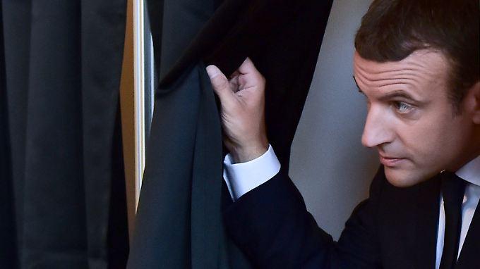 Parlamentswahlsieg mit Dämpfer: Macrons Partei holt absolute Mehrheit