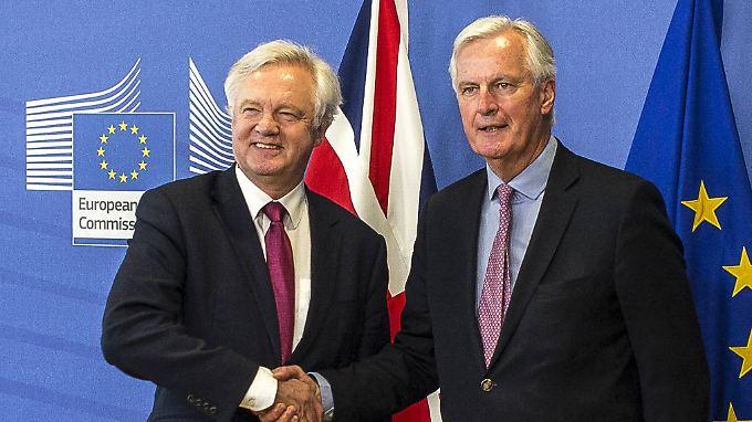 Das erste Treffen von David Davis (l.) und Michel Branier sollte vor allem Vertrauen zwischen beiden schaffen.