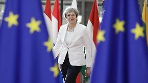 Brexit-Verhandlungen bei EU-Gipfel: May stellt EU-Bürgern Bleiberecht in Aussicht