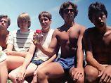 Jahrzehntelange Freundschaft: Freunde stellen Foto von 1982 nach