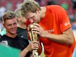 Benefizspiel bringt 100.000 Euro: Sportstars spielen für Michael Schumacher