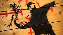 Kunst für soziale Gerechtigkeit: Banksy: Graffiti-Phantom seit über 25 Jahren