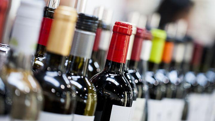 Der Online-Handel macht den Weinfachgeschäften zunehmend Konkurrenz.