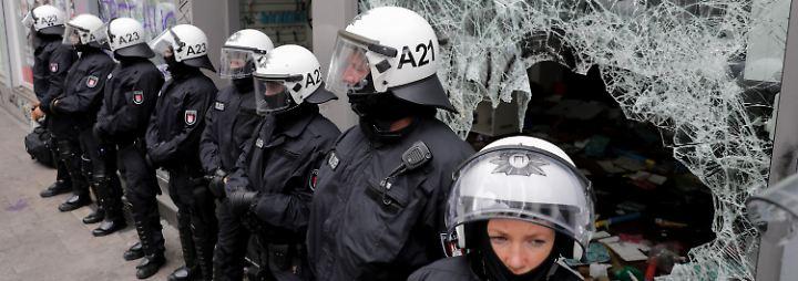 Aufarbeitung der G20-Krawalle: Hamburger Linke gibt Polizei Schuld an Eskalation
