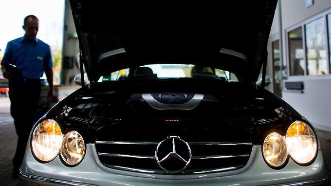 Über eine Million Fahrzeuge manipuliert?: Daimler kämpft mit neuen Abgas-Vorwürfen