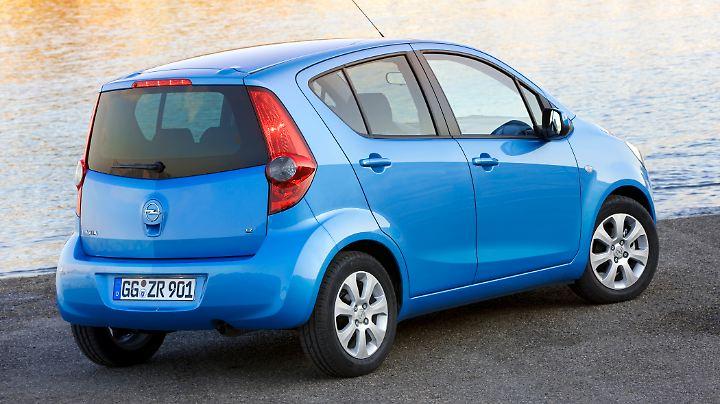 225 Liter verschwinden hinter der Hecklappe des Opel Agila B.