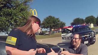 Mit Blaulicht ins Glück: Texaner inszeniert Heiratsantrag mit Schock-Effekt