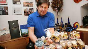 """In den mit einem hellblauen Zuckerüberzug glasierten Kürbiskernen """"Styriagra"""" von Richard Mandl sah Pfizer eine bewusste Verletzung seiner Rechte an dem Namen """"Viagra"""" für das weltweit erfolgreiche Potenzmittel."""
