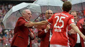 Müller bei PR-Tour Dauerthema: Zwischen Hoeneß und Sammer fliegen die Fetzen