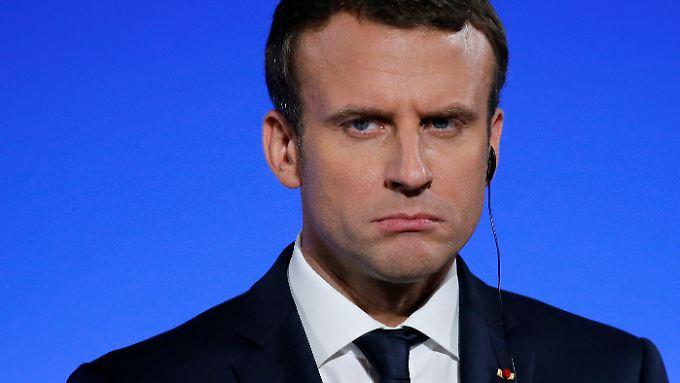 Immer noch etwas mehr als die Hälfte aller Franzosen ist zufrieden mit ihrem Präsidenten.