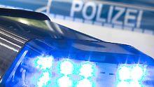 Überfall in Bayern: Bewaffneter Bankräuber ist auf der Flucht