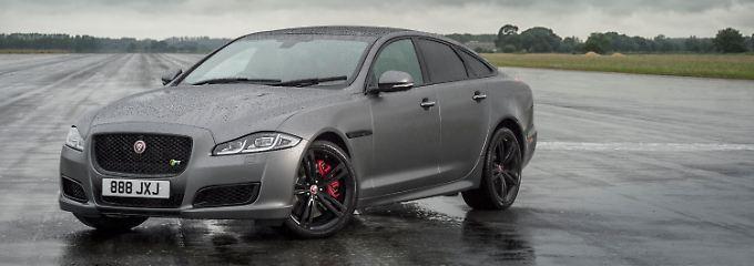 Schnell und mit Aufpassern: Jaguar macht den XJR575 stark