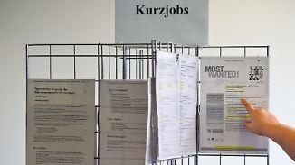 Arbeitszeit, Lohn, Steuern: Das ist bei Ferienjobs zu beachten
