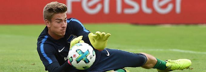 Jonathan Klinsmann muss sich als dritter Torwart bei Hertha BSC durchboxen.