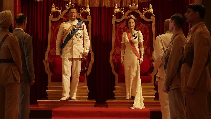 Britisch-indische Kolonialpracht: Lord und Lady Mountbatten bei Amtsantritt in Indien.