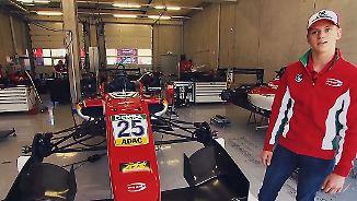 """""""Viel Speed durch die Kurve"""": Mick Schumacher zeigt seinen Formel-3-Wagen"""