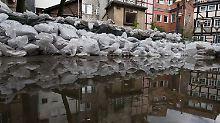 Halten die Dämme?: Wolfenbüttel steht teilweise unter Wasser