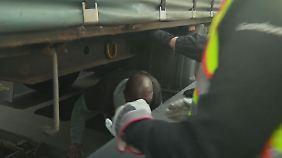 Über die Alpen nach Deutschland: Flüchtlinge riskieren auf Güterzügen ihr Leben