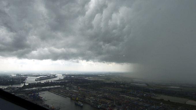 Nur Zufall oder ein Zeichen für den Klimawandel? Der Sommer 2017 ist bisher von heftigen Unwettern geprägt - hier in Hamburg.
