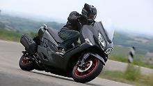 Aktives Reiserollern: Suzuki Burgman 400 gewinnt an Dynamik