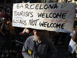 Protest gegen Massentourismus: Aktivisten zerstechen Fahrradreifen