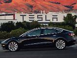 Autobauer-Aktie legt kräftig zu: Tesla verdoppelt Umsatz, vergrößert Verlust