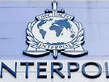 Der Tag: Bericht: Sechs potenzielle Attentäter aus Europa auf Interpol-Liste