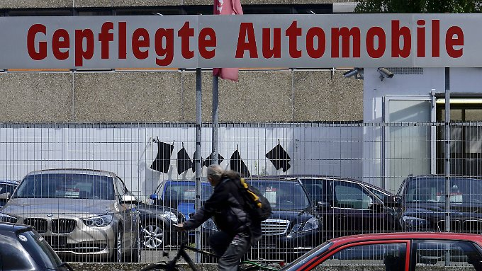 Gepflegt, aber mit Image-Schaden: Gebrauchte Diesel stehen zuletzt länger auf den Höfen der Händler.