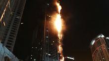"Großbrand in Dubai: Feuer in ""Fackel-Turm"" gelöscht"