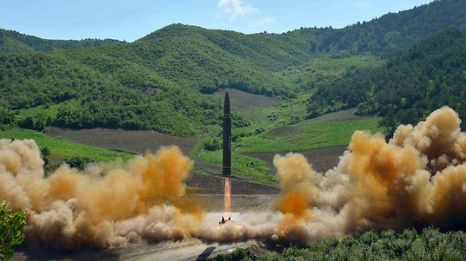 Start einer nordkoreanischen Rakete - wie weit ist Pjöngjang mit seinem Atomprogramm?