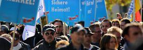 Partei der extremen Ansichten: Radikale Anhänger formen die AfD