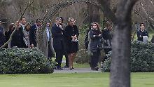 Königin Máxima nimmt mit ihrer Familie Abschied von ihrem Vater.
