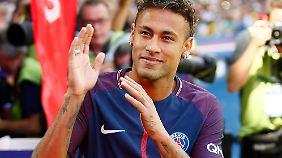 Mit seinen 222 Millionen ist Neymar vermutlich teurer als die Summe von Stadion und Kader des EA Guingamp.