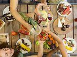 Der Tag: Jüngere Deutsche werfen mehr Lebensmittel weg