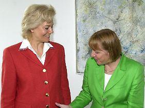 Kennen sich schon etwas länger: Merkel und Steinbach bei einer Präsidiumssitzung der CDU im Jahr 2001.