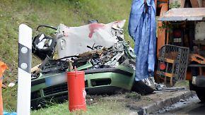 Familie von Müllwagen erschlagen: Spezialisten nehmen Unglückslaster unter die Lupe