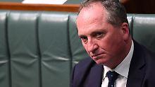 Mandate auf der Kippe: Australiens Vize hat einen Pass zu viel