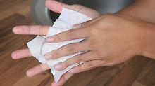 Geschäft mit der Hygiene: Desinfektionsmittel lassen Kassen klingeln