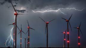 Im Westen trocken: Nachts ziehen kräftige Gewitter Richtung Osten