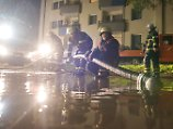Rettungskräfte im Dauereinsatz: Starkregen flutet Keller im Norden