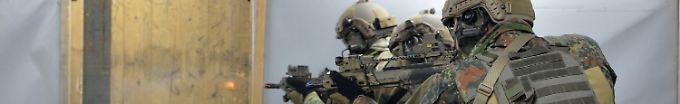 Der Tag: 18:10 Bundeswehr will KSK-Vize-Chef absetzen