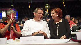 Van Aken mit Linken-Chefin Kipping beim Parteitag 2014